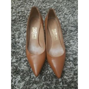 Salvatore Ferragamo Brown Pointy Toe Pumps sz 8C